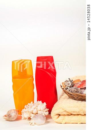 Bottle of shampoo and towel seashells, toyの写真素材 [14528038] - PIXTA