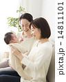 赤ちゃんとお母さんとおばあちゃん 14811101