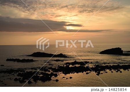 黄金岬の夕日 14825854
