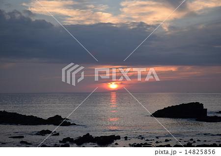 黄金岬の夕日 14825856