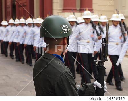 タイの王宮護衛兵・近衛兵の写真素材 [14826536] - PIXTA
