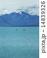 テカポ湖とカヌー 14839326