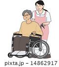 車いすの老人と介護士 14862917
