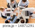 ハイタッチ ビジネス チームの写真 14871291