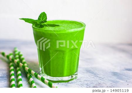 Green smoothieの写真素材 [14905119] - PIXTA