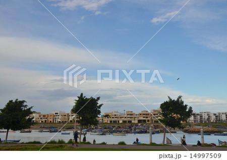 ブーレグレグ川とラバトの対岸の街サレ 14997509