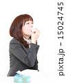ビジネスウーマン 鼻水 くしゃみの写真 15024745