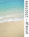 エメラルドグリーン 波打ち際 海の写真 15025699