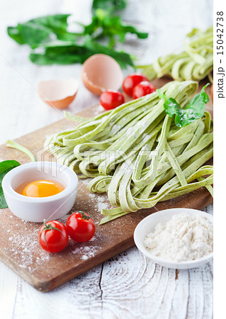 tomatoes basil asparagus recepten yummly and cherry tomato tagliatelle ...