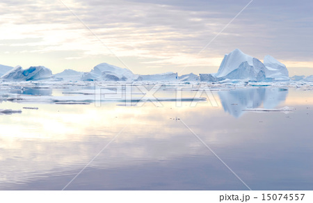 Greenland Icebergs. 15074557