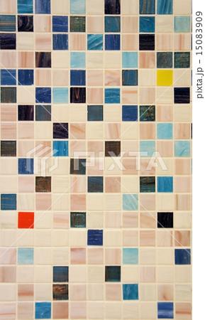 ブルーのモザイクタイル 15083909