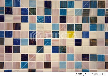 ブルーのモザイクタイル 15083916