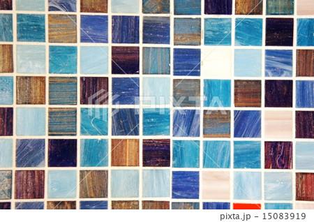 ブルーのモザイクタイル 15083919