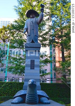 徳川家康の像(江戸東京博物館 北側/東京都墨田区横網) 15100725