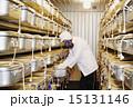 食品研究作業 イメージ素材 貯蔵庫 15131146