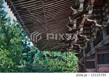 書写山円教寺の軒下 15135795