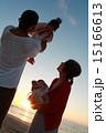 家族 高い高い 抱っこの写真 15166613