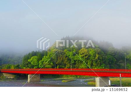 球磨川に架かる赤橋 15169652