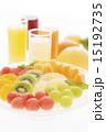 カットフルーツとジュース 15192735