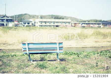 背景素材 ベンチのある風景 15201904