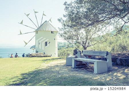 背景素材 ベンチのある風景 15204984