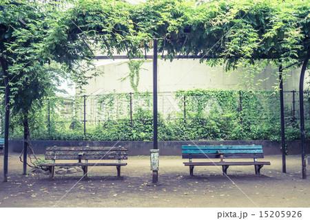 背景素材 ベンチのある風景 15205926