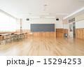学校の教室 15294253