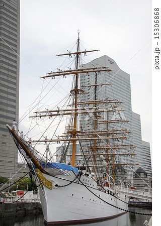 帆船日本丸の登檣礼(とうしょうれい) 15306868