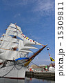 総帆展帆と満船飾の日本丸 15309811