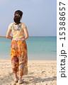 沖縄の海と女性 15388657