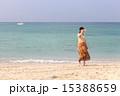 沖縄の海と女性 15388659