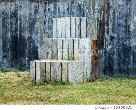 wooden steps 15400826