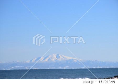 冬のオホーツク海と知床半島 15401349