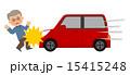 男性と赤い車事故 15415248