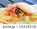 チーズバーガー バンズ パンの写真 15416316