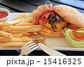 チーズバーガー バンズ パンの写真 15416325