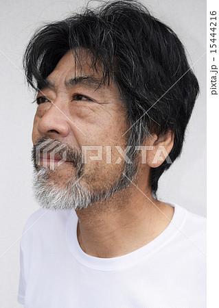 髭を生やした50代男性 15444216