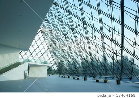ガラスのピラミッド(内部) 15464169