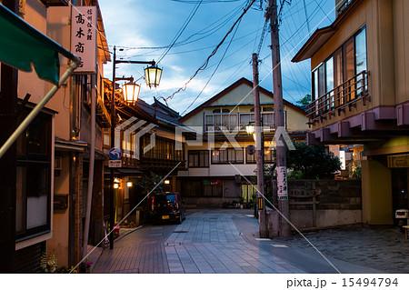 湯田中渋温泉(長野県-山ノ内町)の写真素材 [15494794] - PIXTA