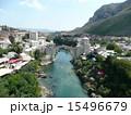 ネレトヴァ川 モスタル ボスニア・ヘルツェゴビナの写真 15496679