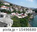 ネレトヴァ川 モスタル ボスニア・ヘルツェゴビナの写真 15496680
