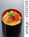 親子丼 いくら丼 料理の写真 15502209