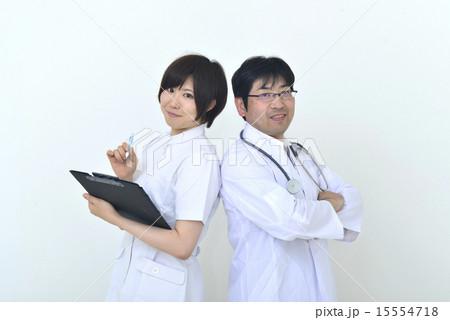医者と看護婦 15554718