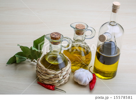 Olive oil in the bottlesの写真素材 [15578581] - PIXTA