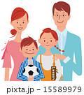 スリムな家族4人 15589979