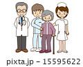 医療スタッフと高齢者 15595622