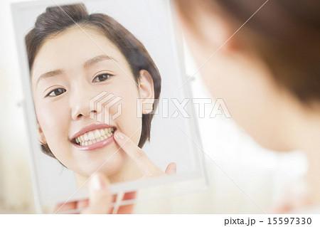 ビューティーイメージ 若い女性 15597330