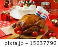 クリスマスケーキとローストチキン 15637796