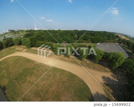 ドローンで上空から撮影した「秋ヶ瀬公園」(埼玉県さいたま市) 15699922