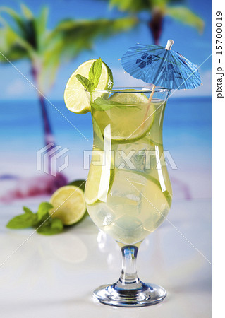 Exotic alcohol drinks, natural colorful toneの写真素材 [15700019] - PIXTA